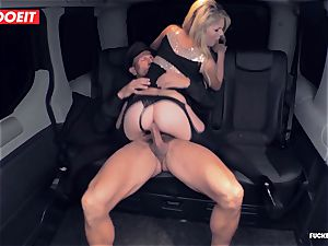 hot Czech stunner porks the Driver to come back her Luggage